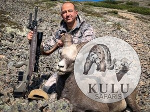 Oleg Molchanov, hunter, hunt, snow sheep, trophy, outfitter, mountains, nature, Magadan, Russia, Kulu Safaris
