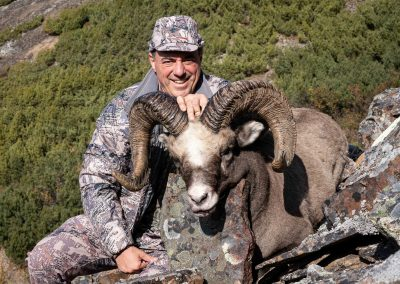 Mikhail Rabinovich hunting with Kulu Safaris in Magadan, Russia