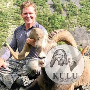 Bryan Harlan snow sheep hunting in Magadan, Russia with Kulu Safaris